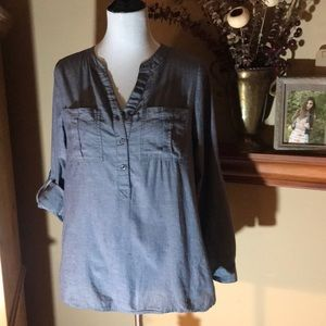Denim chambray fabric 3/4 button front tunic.